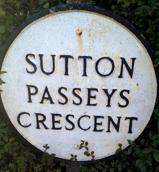 Sutton Passeys b